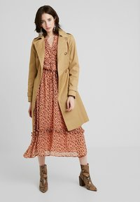 Dorothy Perkins - LIGHTWEIGHT - Trench - stone - 1