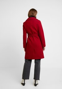 Dorothy Perkins - PATCH POCKET WRAP - Manteau classique - red - 2