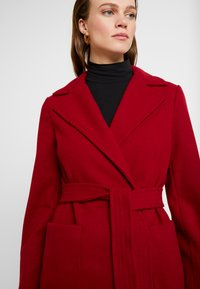 Dorothy Perkins - PATCH POCKET WRAP - Manteau classique - red - 3
