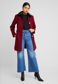 Dorothy Perkins - COLLAR DOLLY - Short coat - merlot - 1