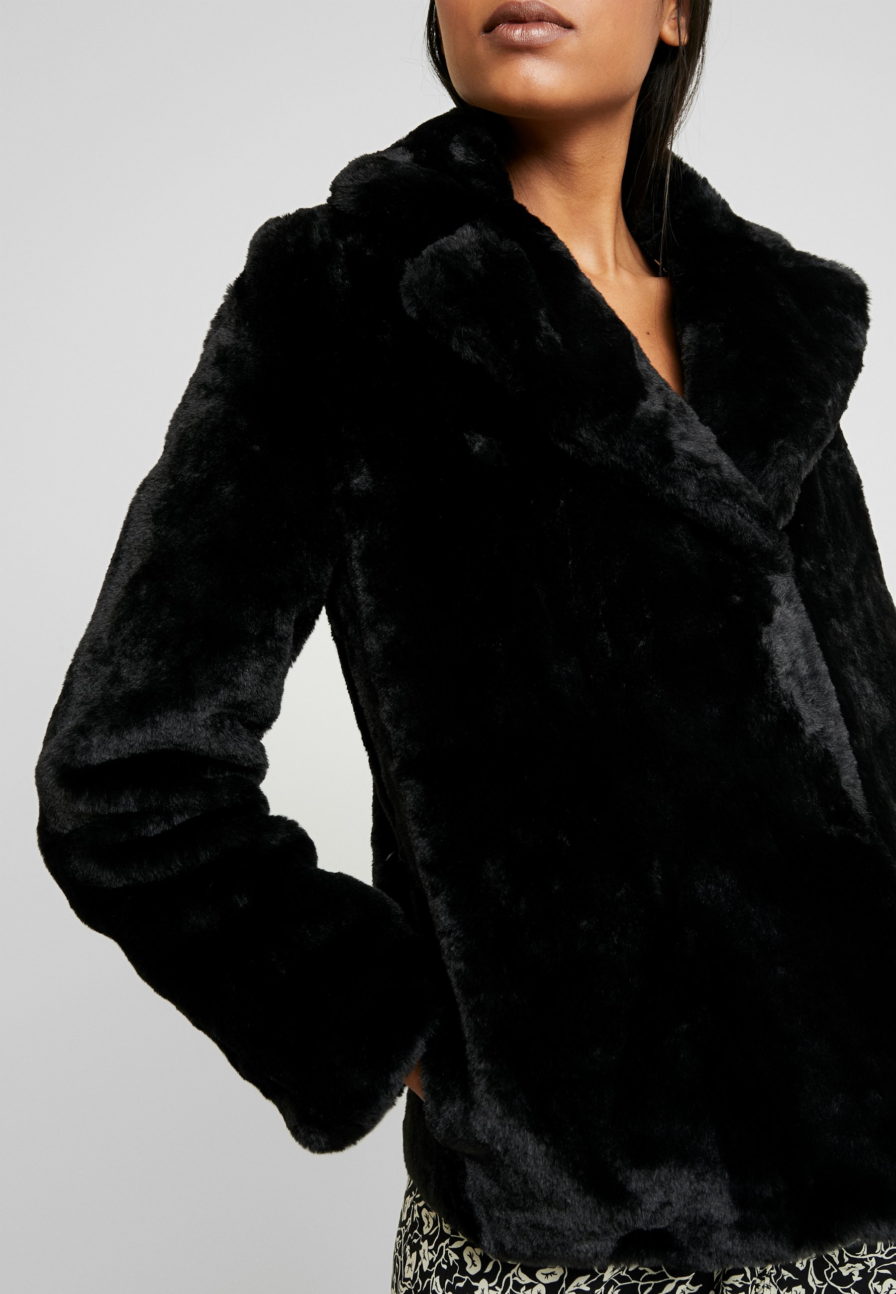 Dorothy Perkins SHORT PLUSH COLLAR REVERE - Kurtka przejściowa - black