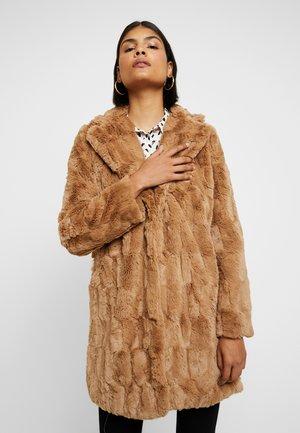 LONG LINE SQUIGGLE  - Winter coat - caramel