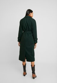 Dorothy Perkins - DOUBLE BELTED BELTED WRAP - Manteau classique - green - 2