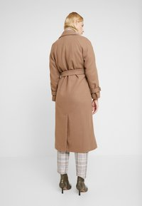 Dorothy Perkins - DOUBLE BREASTED BELTED WRAP - Trenchcoat - mushroom - 2