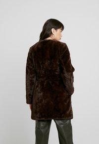 Dorothy Perkins - LONGLINE WITH SELF BELT - Cappotto invernale - chocolate - 2