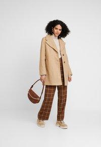 Dorothy Perkins - BOUCLE ONE BUTTON COAT - Classic coat - honey - 1