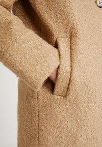 Dorothy Perkins - BOUCLE ONE BUTTON COAT - Classic coat - honey - 5