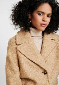 Dorothy Perkins - BOUCLE ONE BUTTON COAT - Classic coat - honey - 3