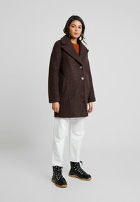 Dorothy Perkins - ONE BUTTON COAT - Classic coat - fudge - 1