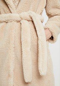 Dorothy Perkins - BELTED COAT - Abrigo corto - cream - 5
