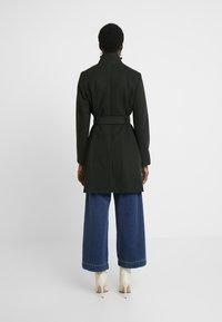 Dorothy Perkins - LONG FUNNEL BELTED WRAP - Zimní kabát - khaki - 2