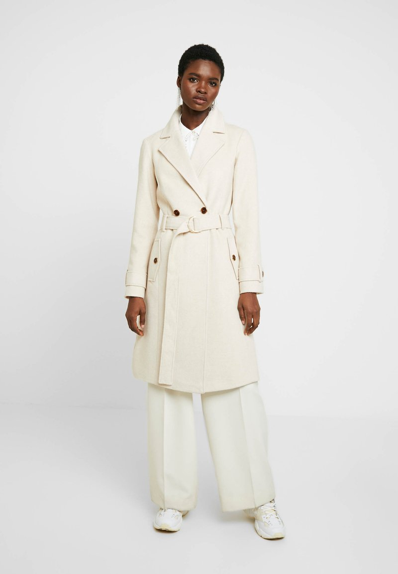 Dorothy Perkins - WINTER UTILITY WRAP COAT - Zimní kabát - cream