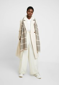 Dorothy Perkins - WINTER UTILITY WRAP COAT - Zimní kabát - cream - 1