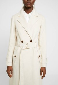 Dorothy Perkins - WINTER UTILITY WRAP COAT - Zimní kabát - cream - 5