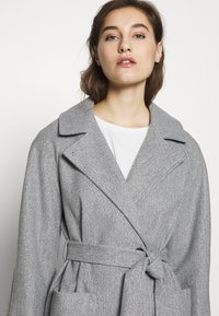 Dorothy Perkins - SHORT WRAP LIGHTWEIGHT COAT - Krátký kabát - grey - 3