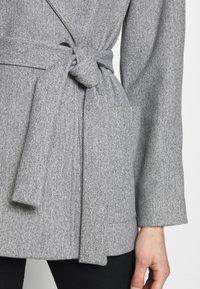 Dorothy Perkins - SHORT WRAP LIGHTWEIGHT COAT - Krátký kabát - grey - 5