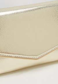 Dorothy Perkins - BAR - Clutch - gold - 6