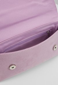 Dorothy Perkins - BAR - Clutch - lilac - 4