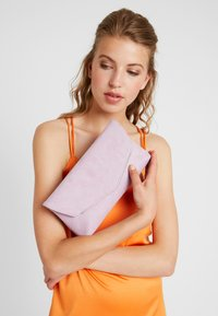 Dorothy Perkins - BAR - Clutch - lilac - 1