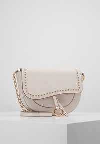 Dorothy Perkins - SADDLE DETAIL CROSSBODY  - Axelremsväska - ecru - 0