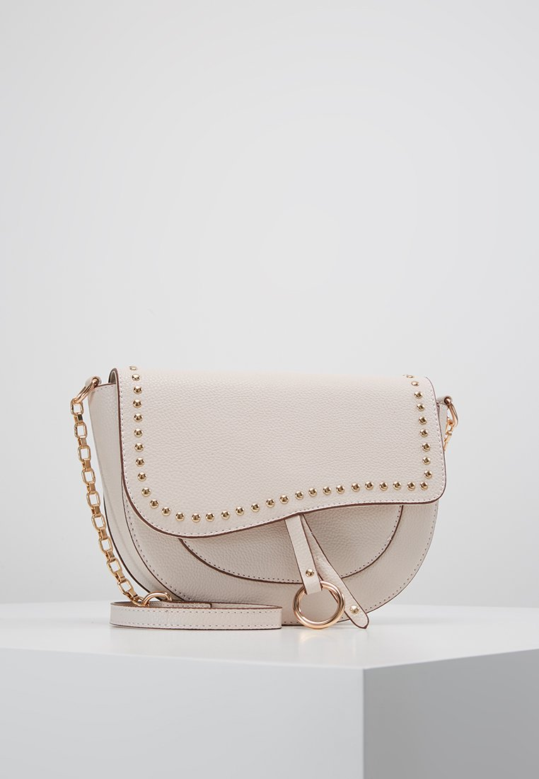 Dorothy Perkins - SADDLE DETAIL CROSSBODY  - Axelremsväska - ecru