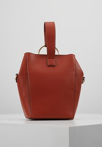 Dorothy Perkins - RING BUCKET CROSSBODY - Axelremsväska - rust - 2