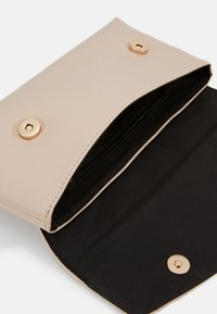 Dorothy Perkins - STITCHED BAR  - Clutch - nude - 3