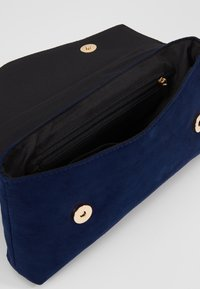 Dorothy Perkins - STITCH BAR - Pochette - navy - 5