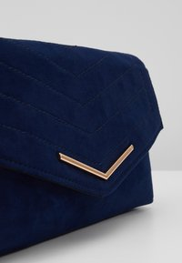 Dorothy Perkins - STITCH BAR - Pochette - navy - 2