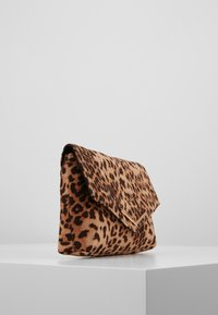 Dorothy Perkins - STITCHED - Clutch - brown - 3