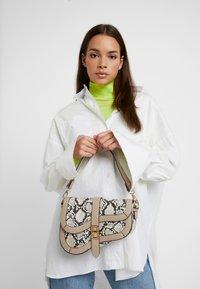 Dorothy Perkins - CURVE TWISTLOCK SHOULDER - Handbag - nude - 1