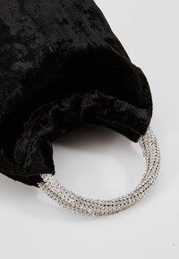 Dorothy Perkins - DIAMONTE CIRCLE HANDLE BUCKET - Håndveske - black - 6