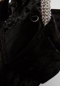 Dorothy Perkins - DIAMONTE CIRCLE HANDLE BUCKET - Håndveske - black - 4