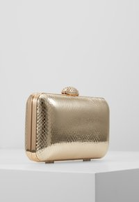 Dorothy Perkins - DIAMONTE CLASP BOX CLUTCH - Clutch - gold