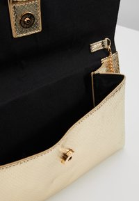 Dorothy Perkins - RING - Clutch - gold - 4