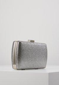 Dorothy Perkins - BOX - Clutch - silver - 3