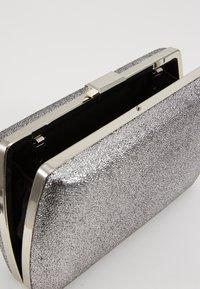Dorothy Perkins - BOX - Clutch - silver - 4