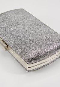 Dorothy Perkins - BOX - Clutch - silver - 6
