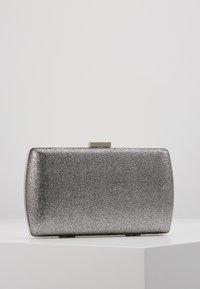 Dorothy Perkins - BOX - Clutch - silver - 2