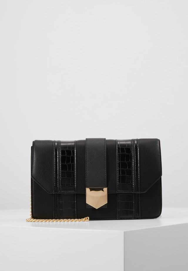 BLACK PANELLED CROSS BODY - Axelremsväska - black