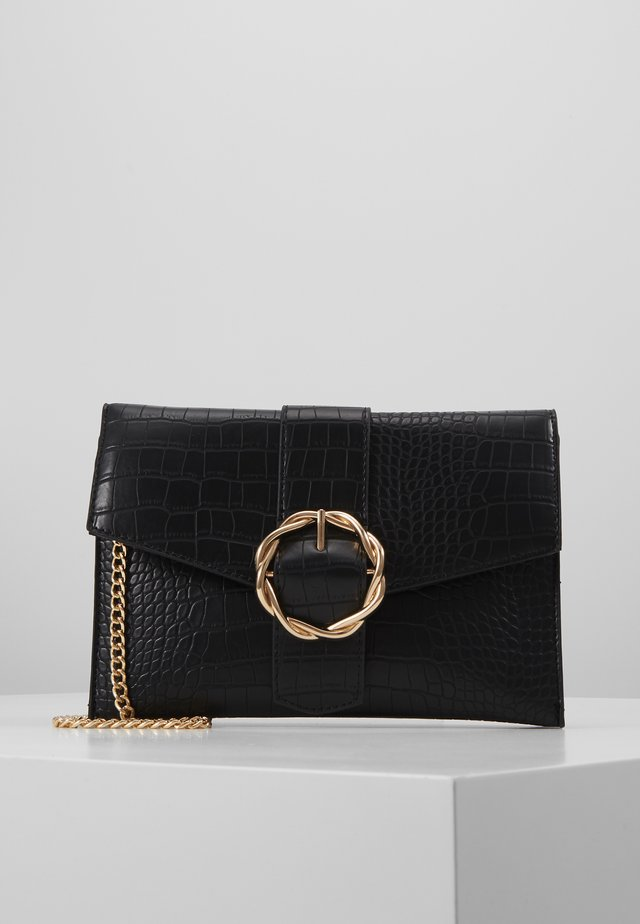 CROC BUCKLE CROSS BODY - Axelremsväska - black