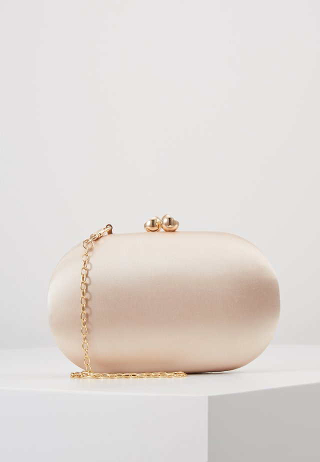 ROUNDED BOX CLUTCH - Kuvertväska - champagne