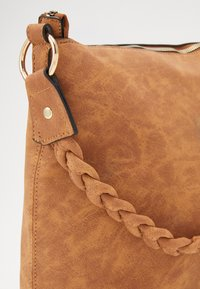 Dorothy Perkins - PLAIT HANDLE - Kabelka - tan - 2