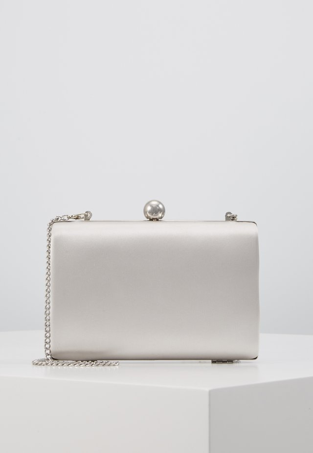 RECTANGLE CLUTCH - Kuvertväska - silver