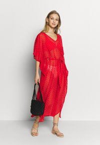 Dorothy Perkins - PLAIN TIE FRONT COVER UP - Strandaccessoire - red - 1