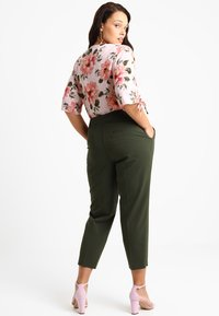Dorothy Perkins Curve - ANKLE GRAZER TROUSER - Kalhoty - khaki - 2