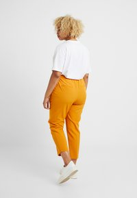 Dorothy Perkins Curve - ELASTIC BACK WAISTBAND GRAZER - Kalhoty - mango - 2