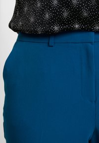 Dorothy Perkins Curve - ELASTIC BACK ANKLE GRAZER - Kalhoty - blue - 4