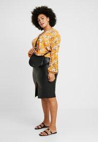 Dorothy Perkins Curve - SPLIT FRONT MIDI SKIRT - Pencil skirt - black - 1