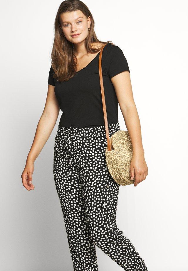 SPOT - Spodnie materiałowe - black